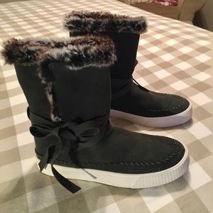 Toms Winter Boots New With Tags